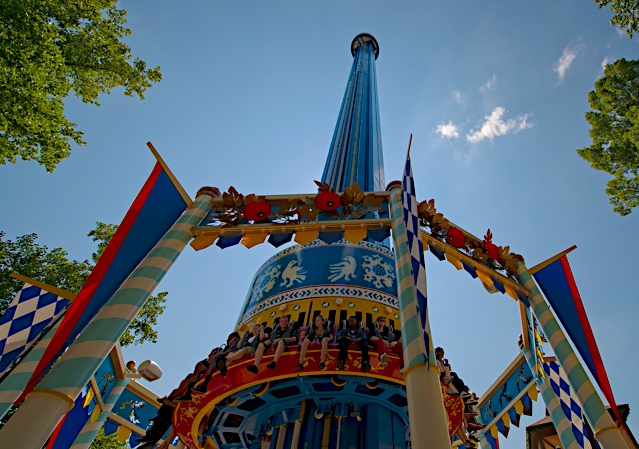 Mach Tower operates at a slow pace during Christmas Town - ©Busch Gardens