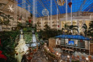 July heat means Christmas prep at Gaylord Hotels (PRNewsFoto/Gaylord Hotels)